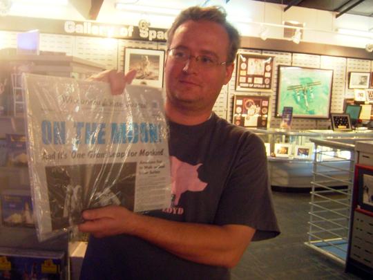TomMoonNewspaper