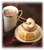 Cinnamon_rolls_and_cocoa